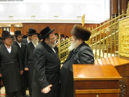 "Rabbi Pinches Friedman speaking to the Belzer Rebbe Shlit""a"